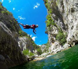 Jumpintolake-canyoningtour