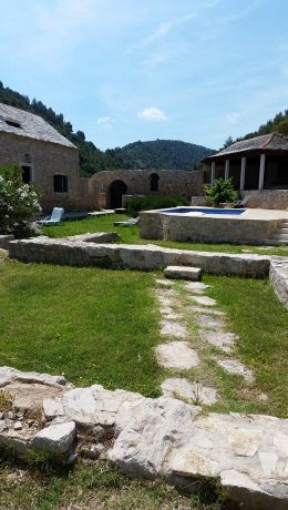 stonehouseslovrecinabrac