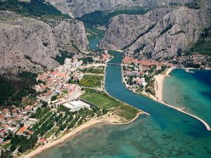 Omis beach-mouth of Cetina river