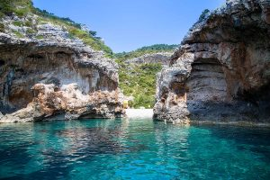 Clear blue sea of Stiniva bay