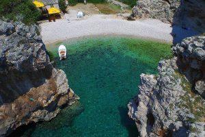 Stiniva beach inside the cove